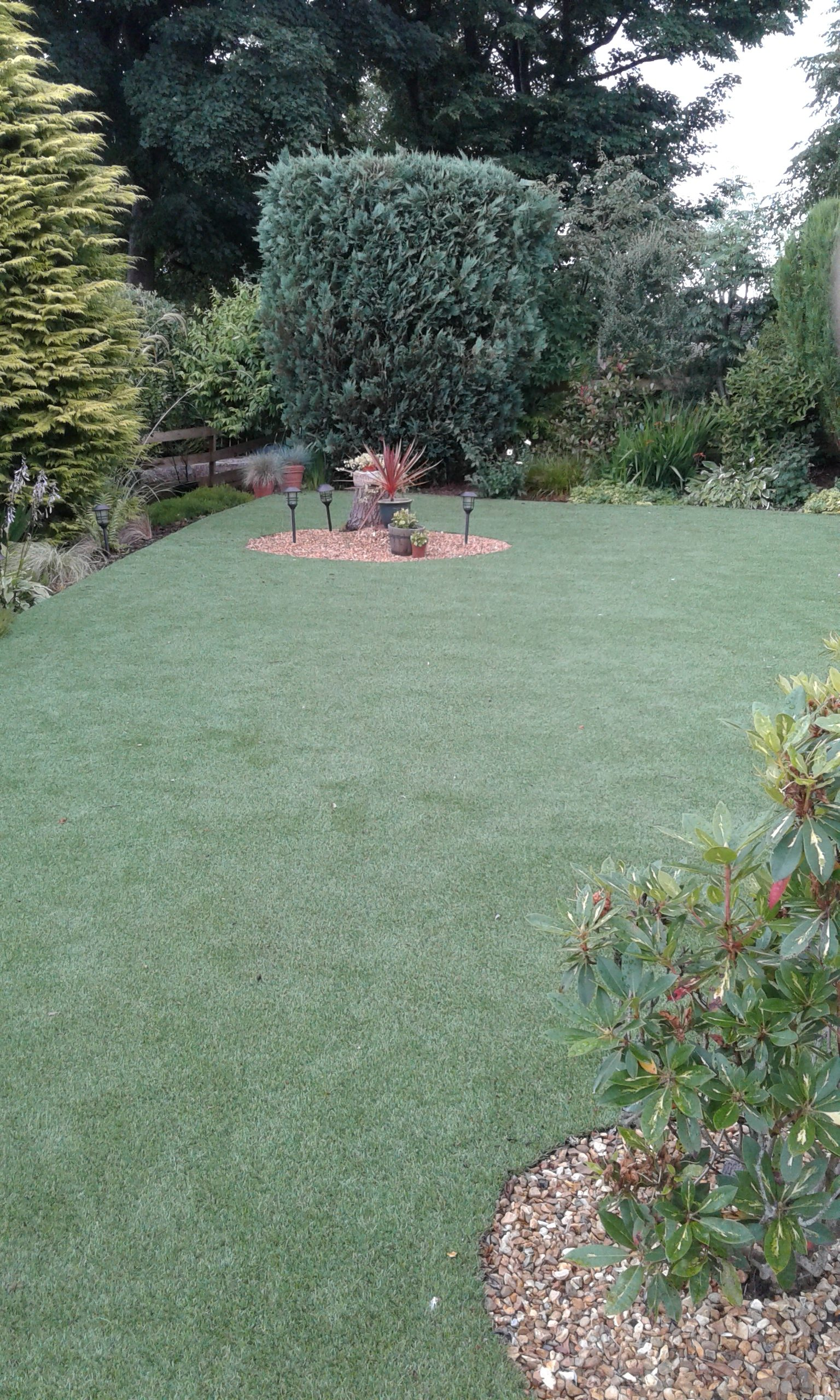 Verdi artificial lawn laid in 2016. 160 square metres design.